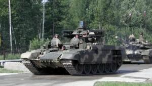 БМПТ и танк Т-90С на марше