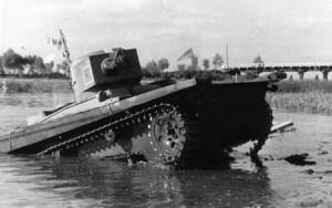 танк Т-37А на полевых испытаниях