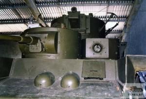 Т-35 в танковом музее в Кубинке