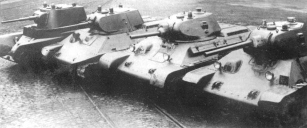 БТ-7, А-20, А-32, Т-34 на полигонных испытаниях