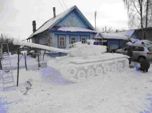 танки из снега