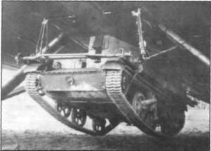 Опыт подвески к бомбардировщику на подвеске ДПТ-2 легкого бронетранспортера «Юниверсал Кэрриер»